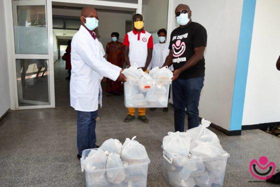 Le partage du bonheur :Distribution de repas au corps médical